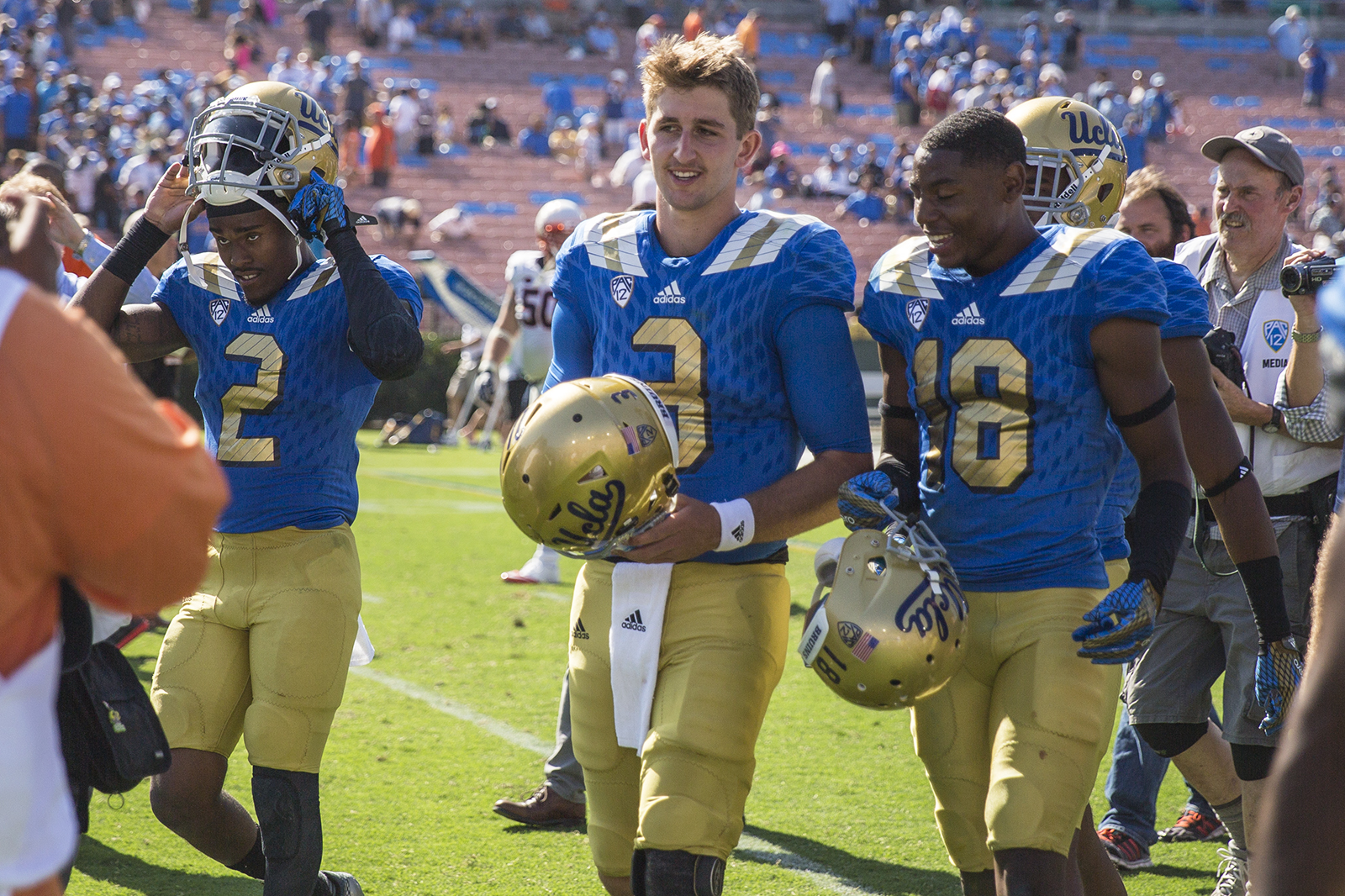 Matter Of Fact Hot Tub Removal Brings Rosen Back To Reality Daily Bruin