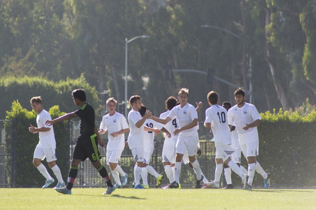 The North Athletic Field is currently used for UCLA sports teams, intramural and club sports alike. Pictured: an exhibition soccer match from last fall. (Keila Mayberry/Daily Bruin)