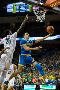 Freshman Lonzo Ball helped engineer a UCLA comeback, but the Oregon defense held the Bruins to just eight points in the final four minutes in the Ducks' upset win. Ucla's own defense gave up 17 points in that same span. (Jintak Han/assistant Photo editor)