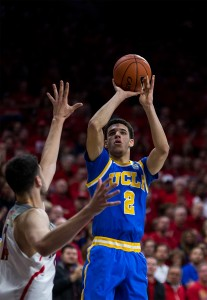 Freshman guard Lonzo Ball had nine points on 4-of-5 shooting to go along with four assists and three rebounds, but UCLA still trailed Arizona heading into halftime. (Aubrey Yeo/Daily Bruin senior staff)