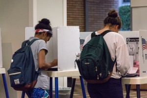 Only 7.5 percent of students registered to vote on the Hill participated in Tuesday's Los Angeles County municipal elections. (Stella Huang/Daily Bruin)