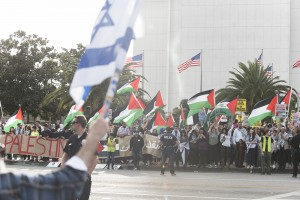 About 300 protestors demonstrated in front of the Federal Building in Los Angeles on Sunday to oppose President Donald Trump's decision to recognize Jerusalem as the capital of Israel.   (Michael Zshornack/Photo editor)