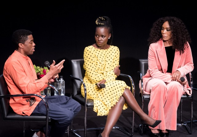 Chadwick Boseman Lupita Nyong O Angela Basset Discuss Black Panther At Hammer Daily Bruin
