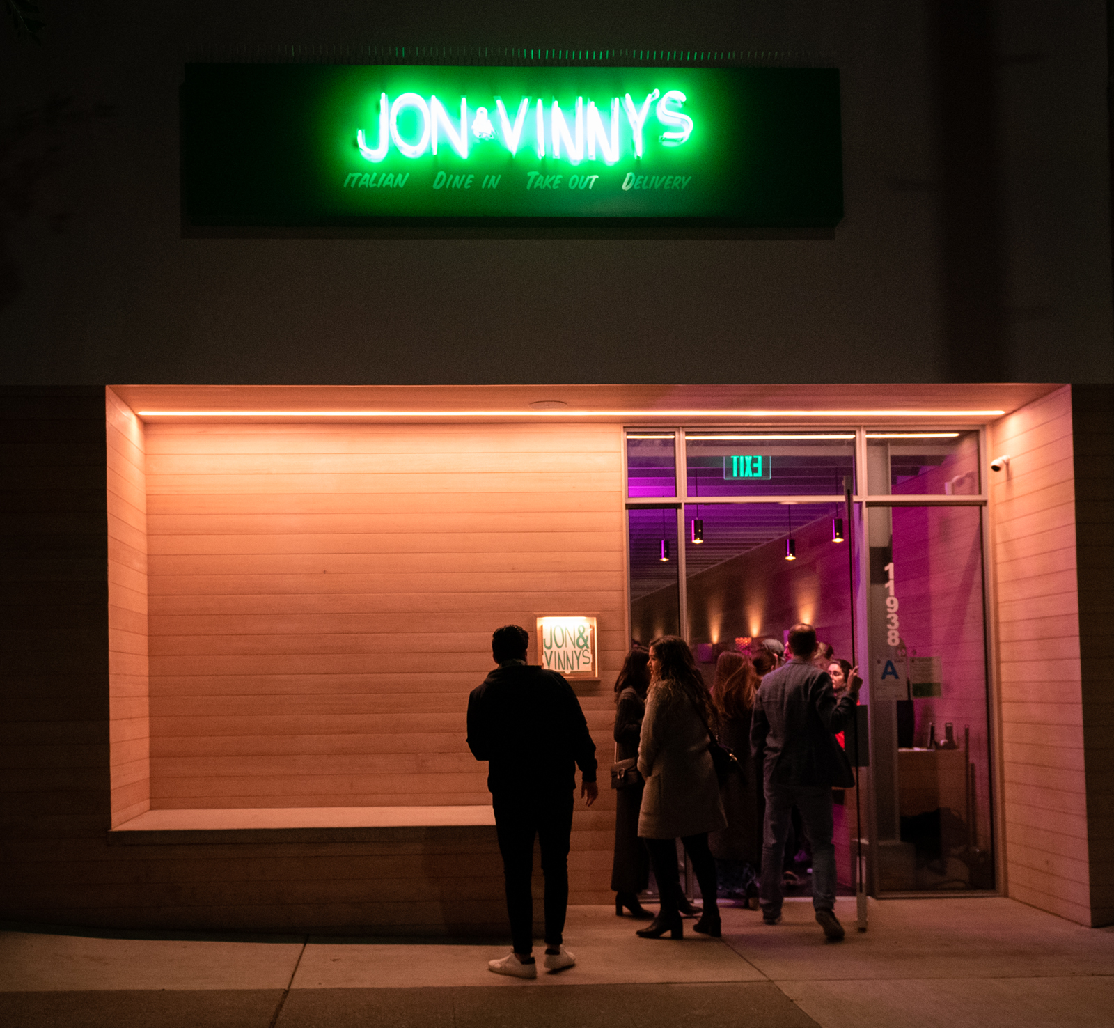 Restaurant Review Jon Vinny S Fine Italian Dining Entices But For A Price Daily Bruin