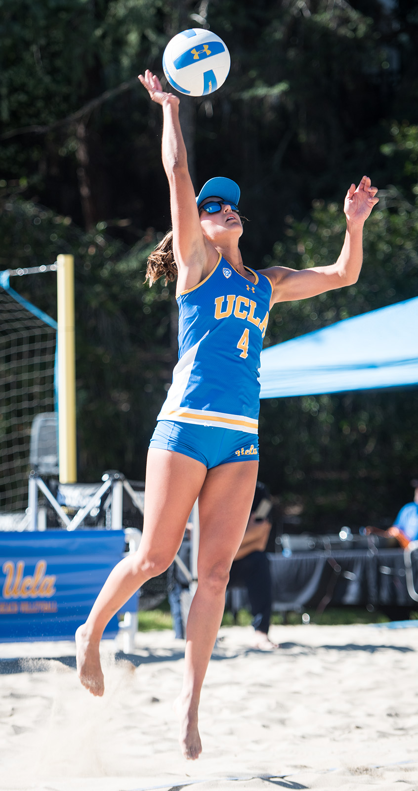 Beach Volleyball Players Compete In International Tournaments On Road To Olympics Daily Bruin