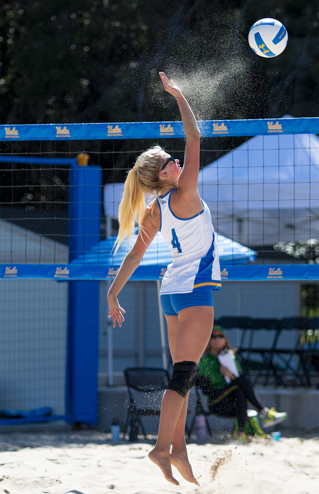 Beach Volleyball Ends Weekend Tournament With Wins Over Oregon Washington Daily Bruin