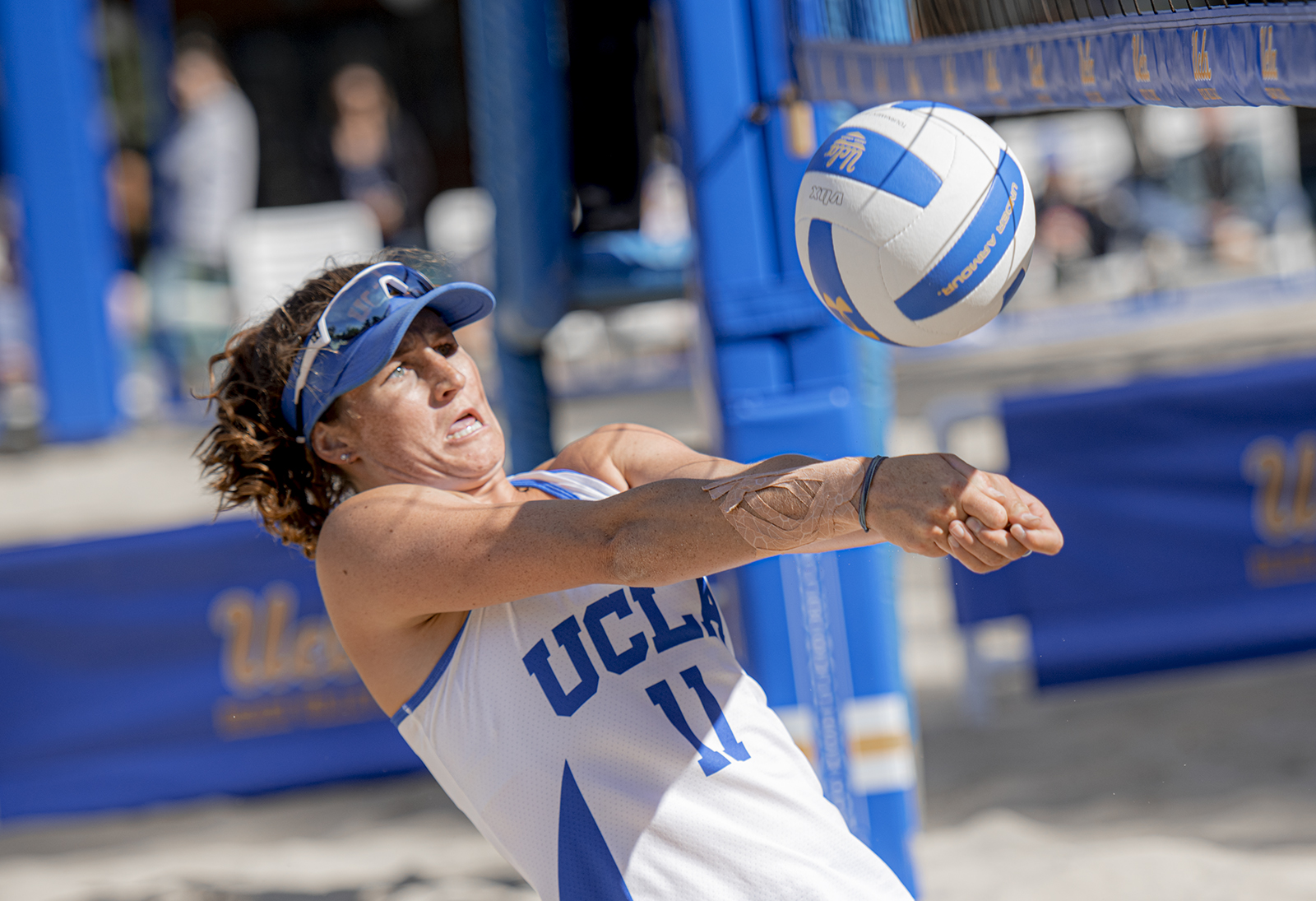 Despite Season Being Canceled Ucla Beach Volleyball Looks Ahead To Next Year Daily Bruin