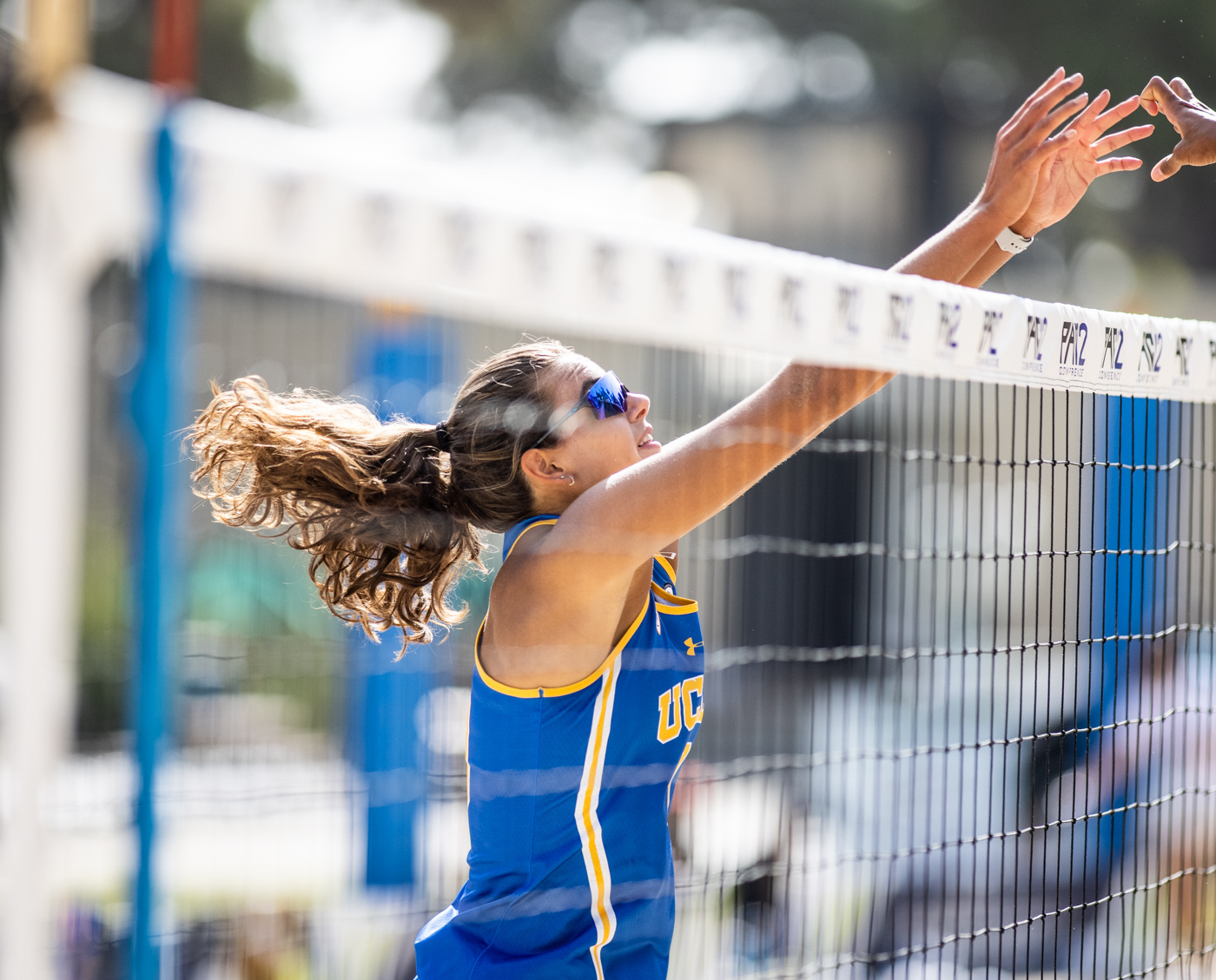 Beach volleyball secures win against Cal Poly in tournament elimination match - Daily Bruin