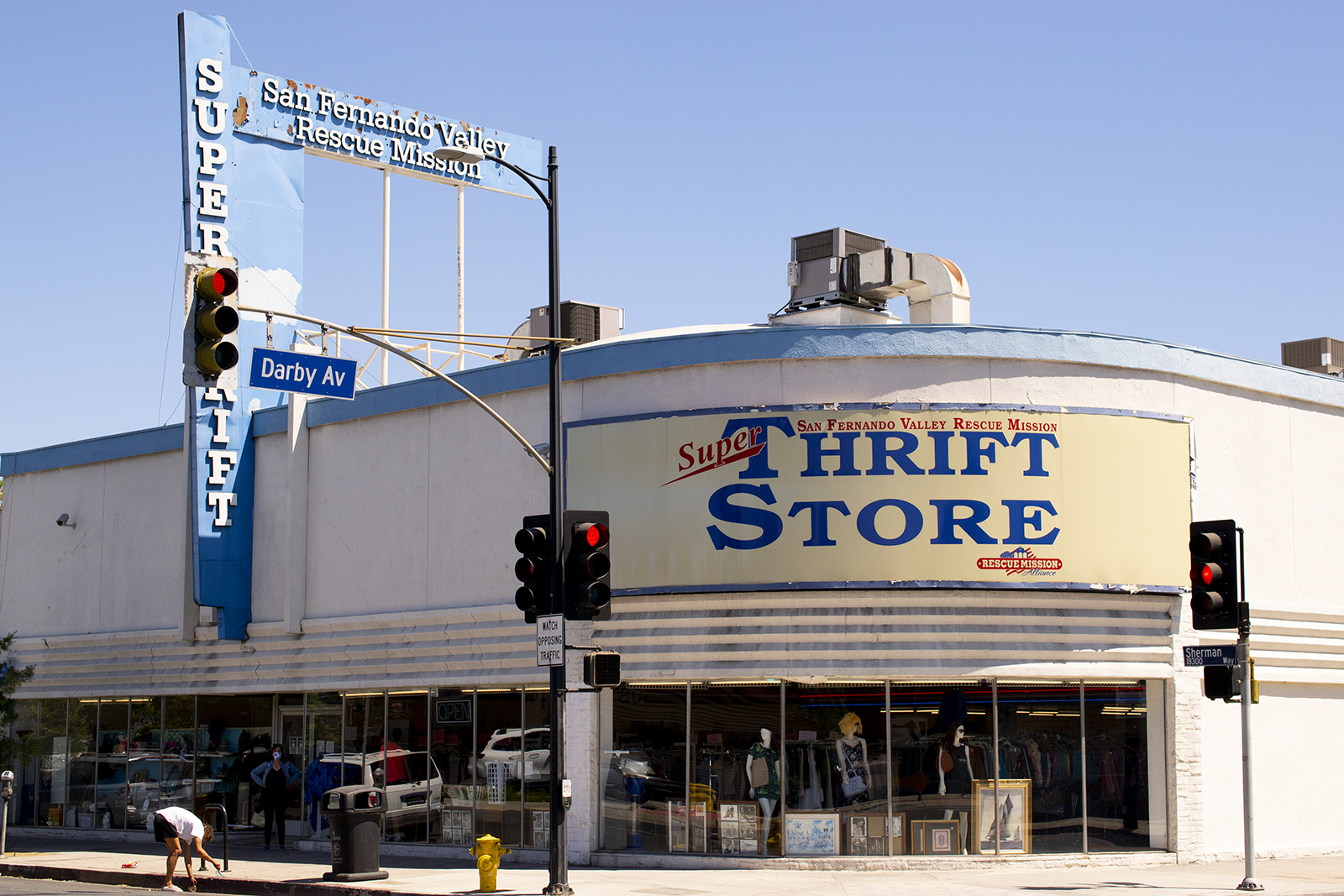 Gallery Los Angeles Thrifts   Daily Bruin