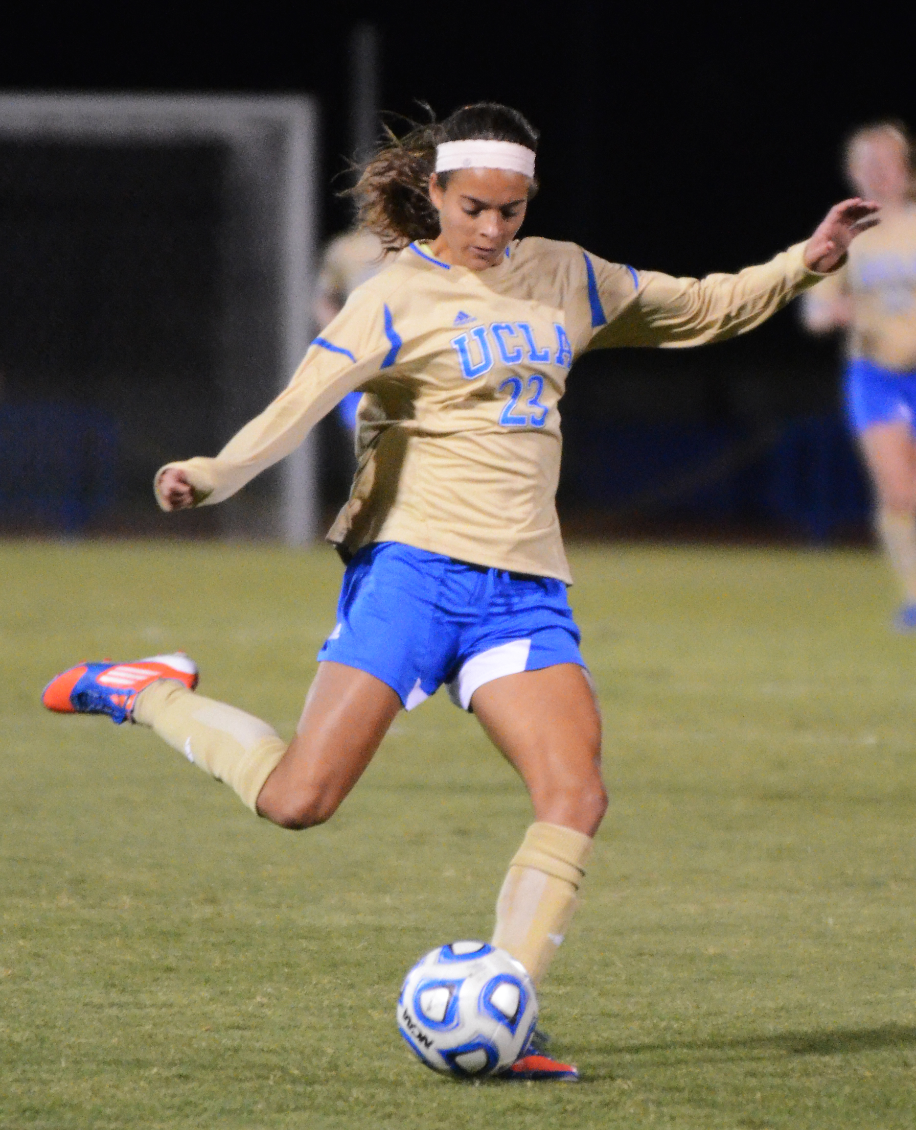 NEIL BEDI/daily bruin  	Sophomore defender Ally Courtnall and the Bruins look to survive the single-elimination NCAA Tournament's second round.